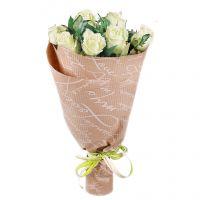7 white roses